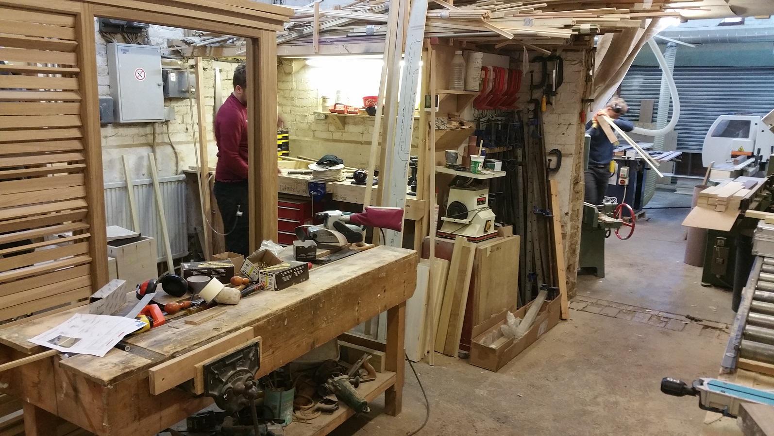 Wood dust monitoring in furniture workshop